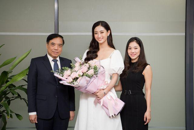 Cả trường bật cười vì câu nói ngây thơ của Hoa hậu Lương Thuỳ Linh - 2