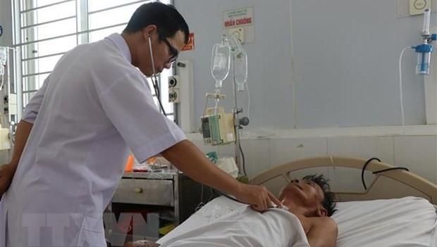 Bệnh nhân nhiễm bệnh Whitmore được điều trị tại Khoa Hồi sức tích cực, Bệnh viện đa khoa tỉnh Hà Tĩnh. (Ảnh: TTXVN)