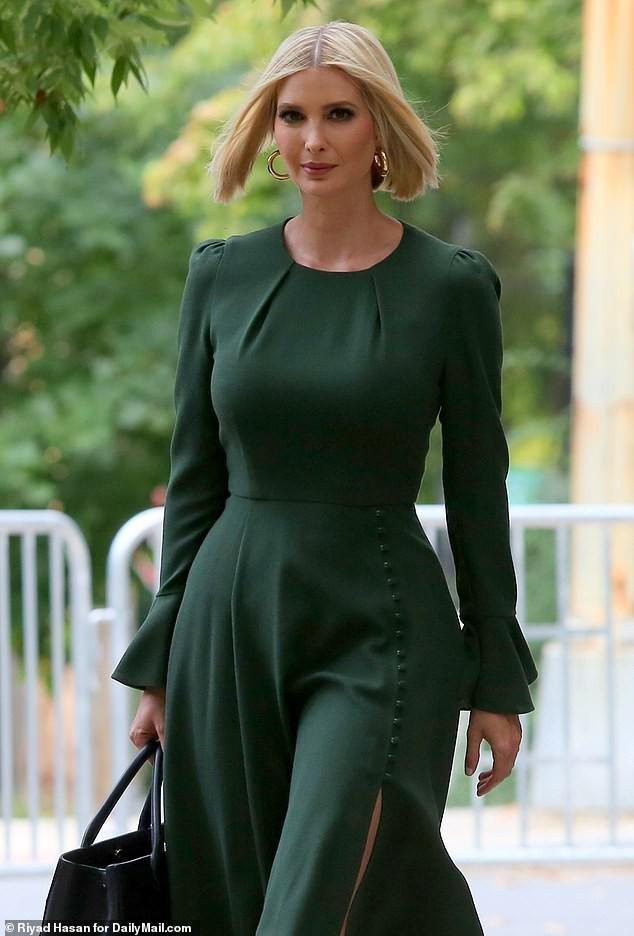 Con gái siêu mẫu của Tổng thống Mỹ đẹp kiêu sa, khí chất ngút ngàn - ảnh 1