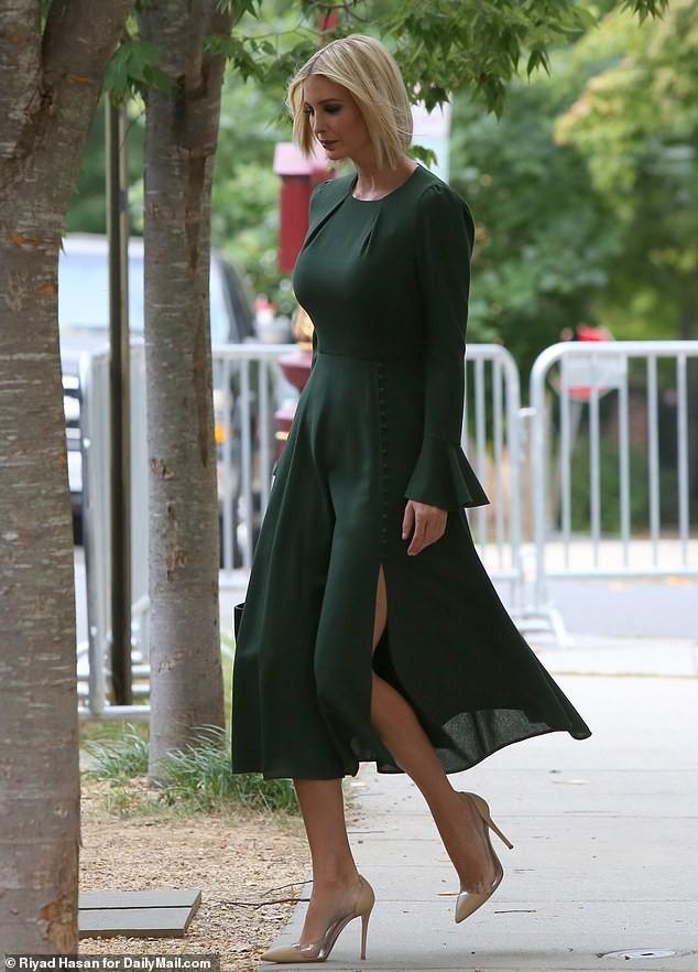 Con gái siêu mẫu của Tổng thống Mỹ đẹp kiêu sa, khí chất ngút ngàn - ảnh 3