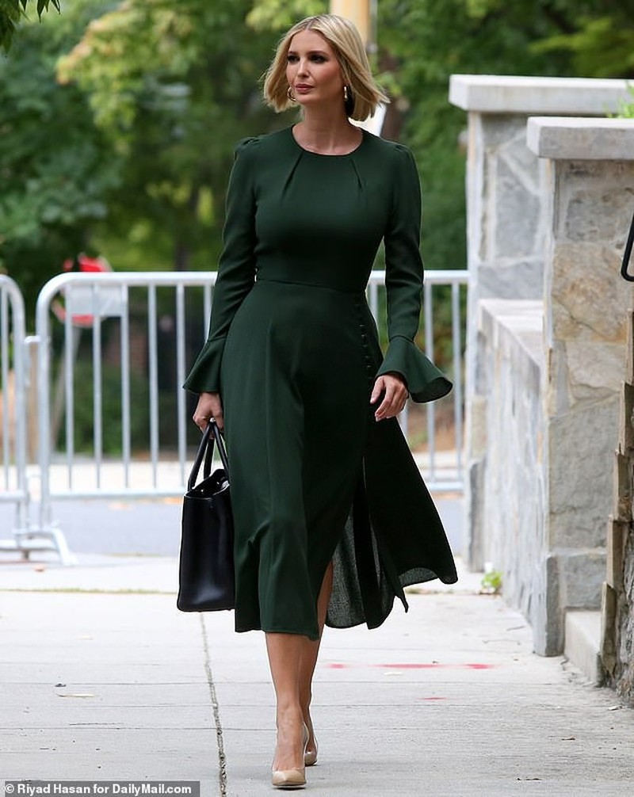 Con gái siêu mẫu của Tổng thống Mỹ đẹp kiêu sa, khí chất ngút ngàn - ảnh 4