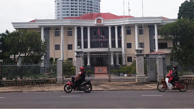 Đề nghị Ban Bí thư xem xét, thi hành kỷ luật Chủ tịch và 1 Phó Chủ tịch tỉnh Khánh Hòa