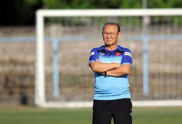 Đội tuyển Việt Nam hứng khởi luyện công, HLV Park Hang Seo nhận tin vui - 13