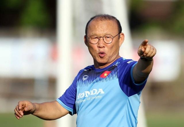 Đội tuyển Việt Nam hứng khởi luyện công, HLV Park Hang Seo nhận tin vui - 10