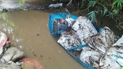 Đề nghị tỉnh Hòa Bình làm rõ, xử nghiêm vụ đổ dầu thải đầu nguồn nước sạch Hà Nội