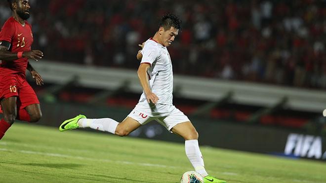 Tiến Linh toả sáng rực rỡ với bàn thắng thứ 3 vào lưới Indonesia tối 15/10. Ảnh: Hoàng Linh