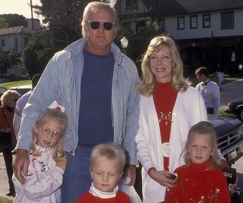 Gia đình ông bà Ron Ely và Valerie năm 1992. Ảnh: People.