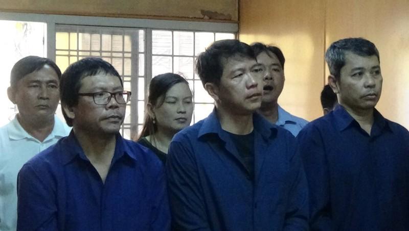 Các bị cáo trong vụ án mua bán 'logo xe vua'