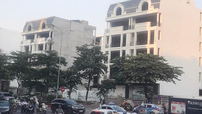 Những căn nhà trong dự án khu nhà ở phố Wall, Khu đô thị mới Cầu Giấy (Hà Nội) đang có tranh chấp trong nội bộ chủ đầu tư.