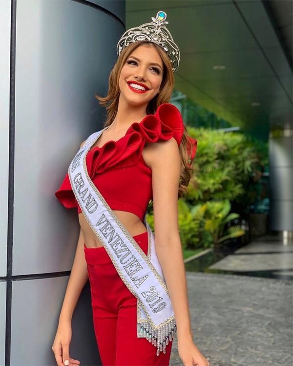 Cô nhận được sự ủng hộ nồng nhiệt của khán giả quê nhà khi đại diện cho Venezuela tại Miss Grand 2019.