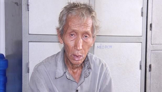 Bị đẩy ngã, ông lão tuổi 70 đánh chết con của vợ
