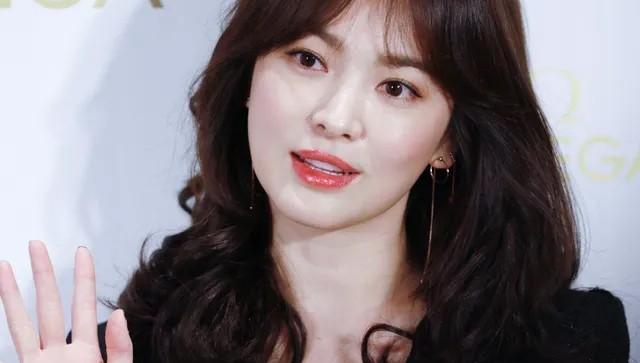 Song Hye Kyo vượt xa chồng cũ trong bảng xếp hạng được yêu thích