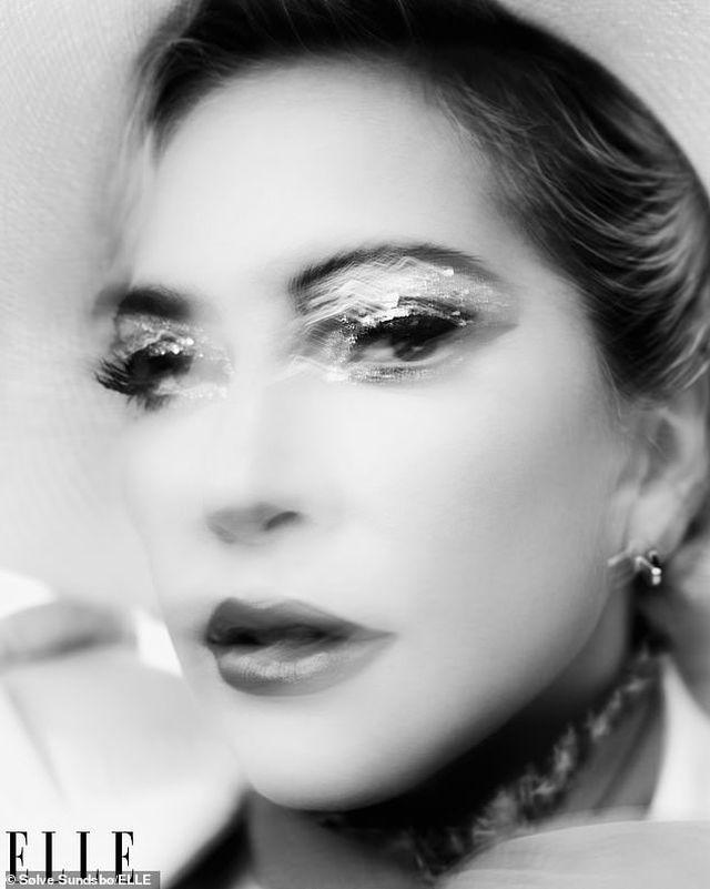 Lady Gaga thừa nhận dàn dựng màn diễn tình cảm với Bradley Cooper - 7