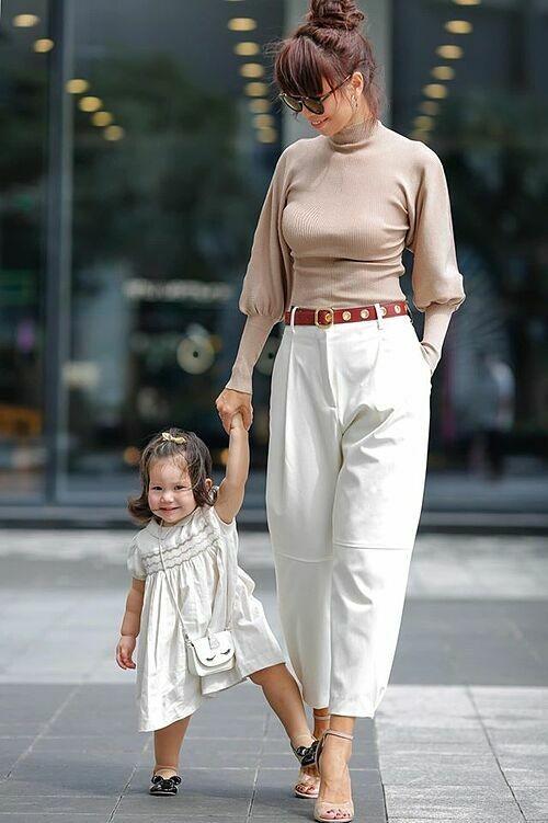 Hà Anh và con gái Myla.