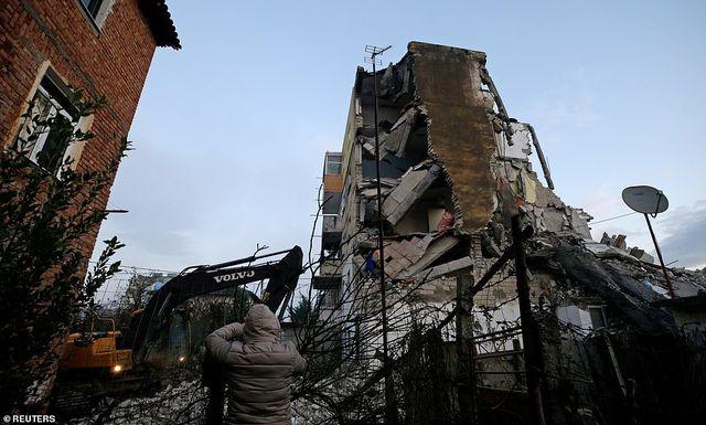 Con dâu tương lai Thủ tướng Albania chết trong trận động đất kinh hoàng - 11