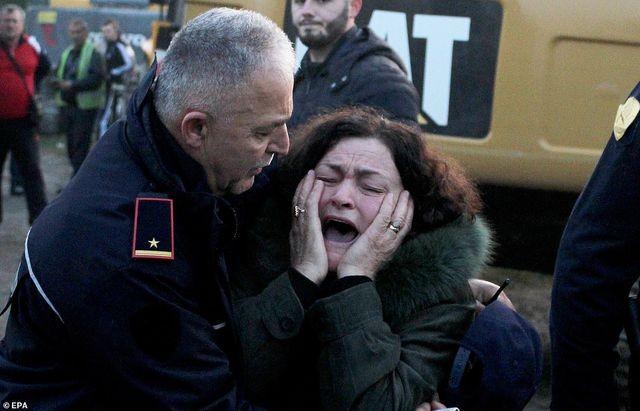 Con dâu tương lai Thủ tướng Albania chết trong trận động đất kinh hoàng - 10