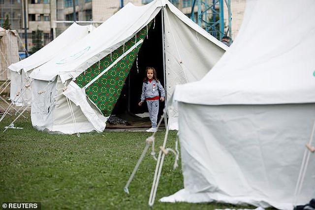 Con dâu tương lai Thủ tướng Albania chết trong trận động đất kinh hoàng - 6