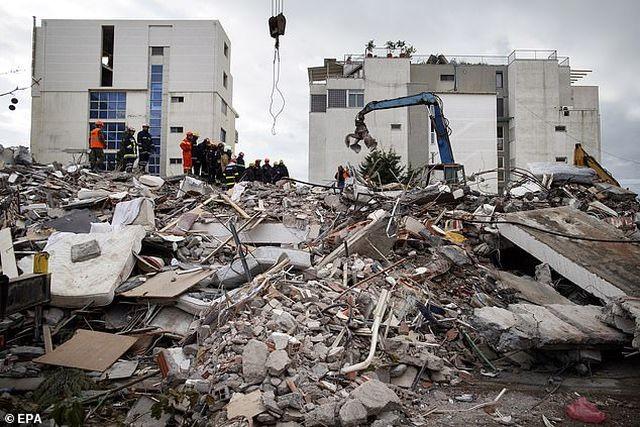 Con dâu tương lai Thủ tướng Albania chết trong trận động đất kinh hoàng - 2