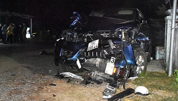 Xe bán tải gây tai nạn kinh hoàng, 4 người thiệt mạng