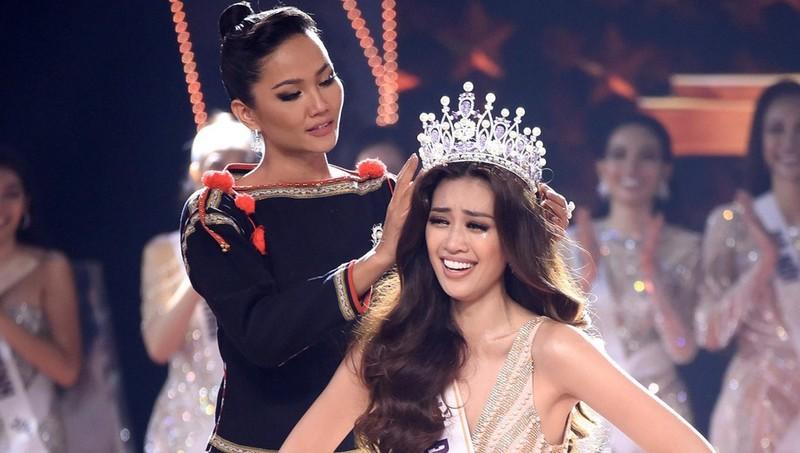 Khánh Vân giành vương miện Hoa hậu Hoàn vũ Việt Nam 2019