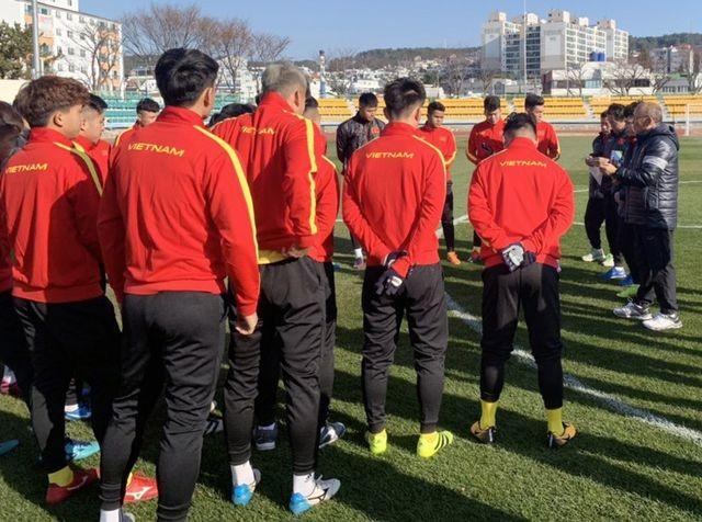 HLV Park Hang Seo nhận tin vui từ Quang Hải, Đình Trọng - 1