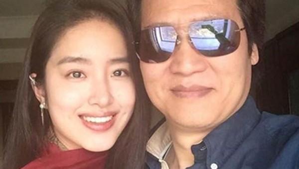 Mỹ nhân 9x bị đồn cưới cha nuôi Lưu Diệc Phi