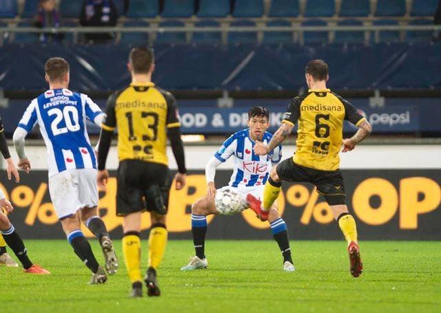 HLV Heerenveen tiết lộ lý do trao cơ hội ra sân cho Văn Hậu - 1