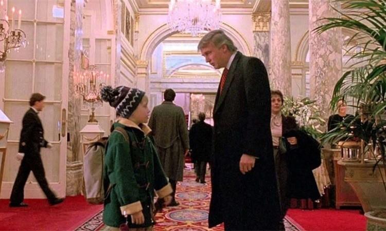 Trump xuất hiện trong bộ phim Ở nhà một mình 2 hồi năm 1992. Ảnh chụp màn hình.