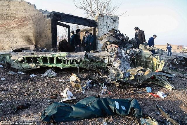 Ukraine tiết lộ nguyên nhân vụ rơi máy bay ở Iran khiến 176 người chết - 1