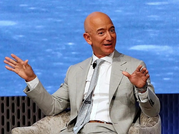 Jeff Bezos. Ảnh: Reuters.