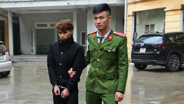Đối tượng Nguyễn Tiến Tuyến bị bắt giữ.