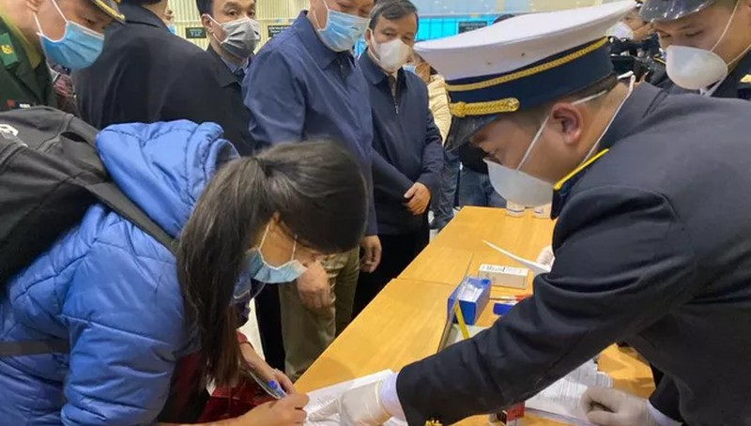 Bộ Y tế yêu cầu giám sát chặt chẽ những người trở về từ vùng dịch