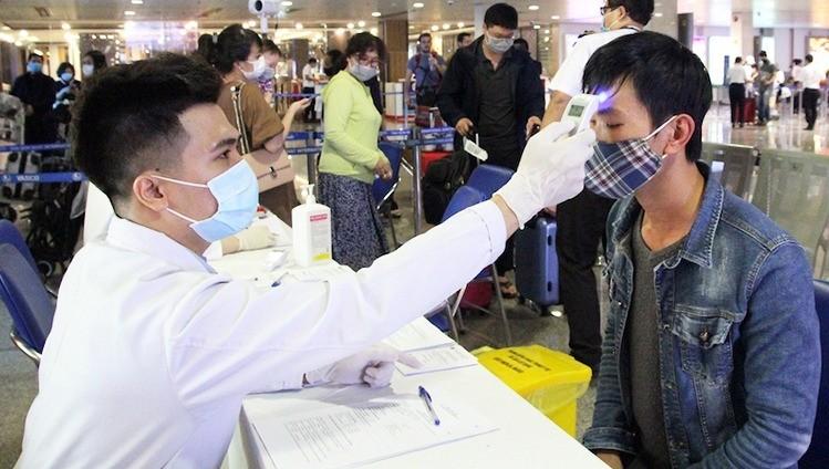 Vì sao cô gái về từ Hàn Quốc qua mặt được cơ quan kiểm dịch?
