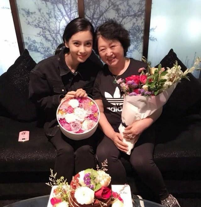 Giữa tin đồn ly hôn, Angelababy tiết lộ lý do kết hôn với Huỳnh Hiểu Minh - 4