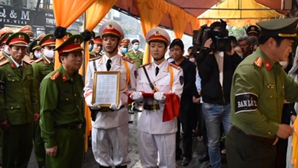 Thăng bậc hàm đại úy công an hy sinh khi làm nhiệm vụ ở Ninh Bình