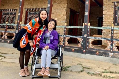 Ốc Thanh Vân cùng Mai Phương đến tu viện nổi tiếng của Bhutan. Ảnh: Facebook.
