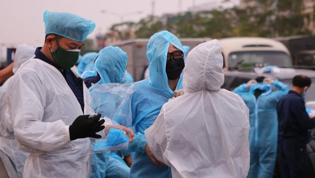 Hai vợ chồng ở Thanh Oai dương tính với SARS-CoV-2 đã khám tại Bệnh viện Bạch Mai