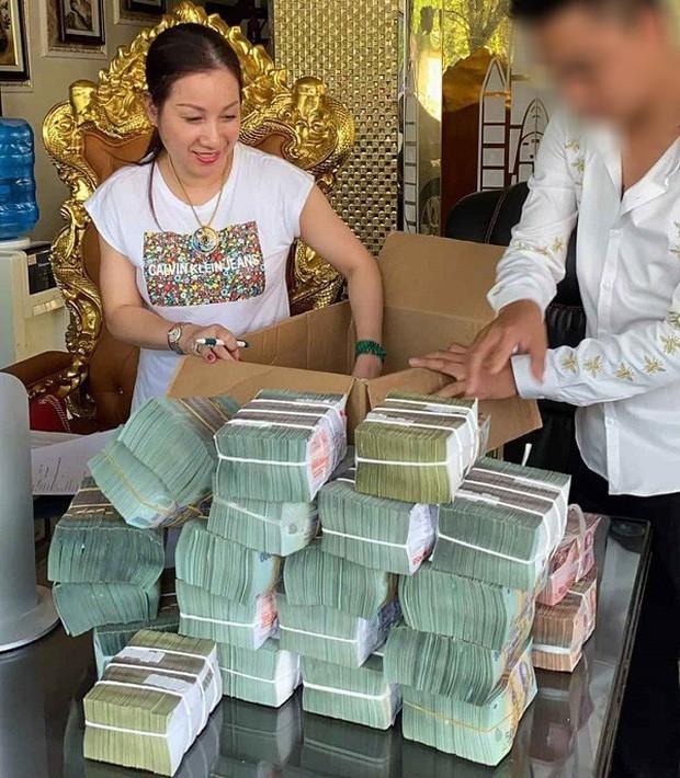 Quãng đời trắc trở ít người biết của nữ đại gia bất động sản Thái Bình, trước khi giàu lên nhanh chóng - Ảnh 2.