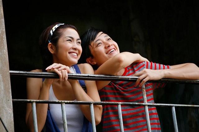 Lương Mạnh Hải chia sẻ loạt ảnh khóa môi nóng bỏng với Tăng Thanh Hà - 1