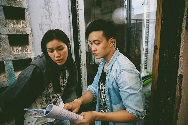 Lương Mạnh Hải chia sẻ loạt ảnh khóa môi nóng bỏng với Tăng Thanh Hà - 10