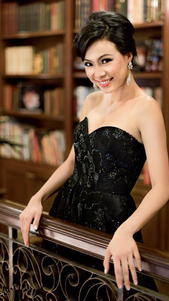 hoa hau khong can dai gia chong lung van song hanh phuc, vien man hinh anh 7