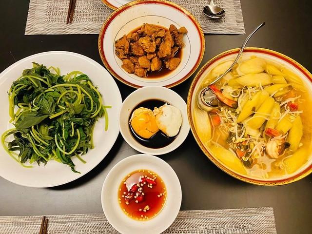 Ở nhà chống dịch, Chi Bảo thường xuyên vào bếp nấu ăn cho vợ - 6