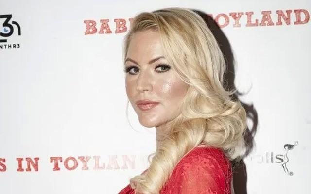 Người mẫu Playboy tự vẫn ở tuổi 33 - 4