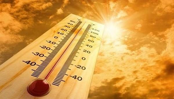 Nắng gay gắt dài ngày ở Hà Nội và khắp miền Bắc, nhiệt độ cao nhất trên 40 độ C