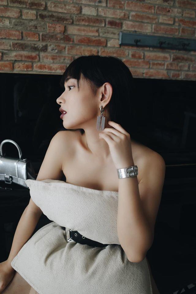 """Đọ nhan sắc """"ái nữ hàng hiệu"""" Tiên Nguyễn và hot girl Châu Bùi hậu cách ly - 20"""
