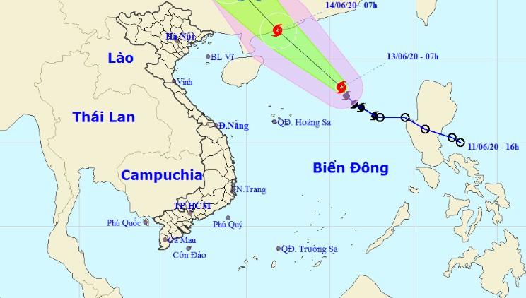 Bão di chuyển nhanh, không ngừng tăng cấp trên biển Đông, sóng cao hơn 5m