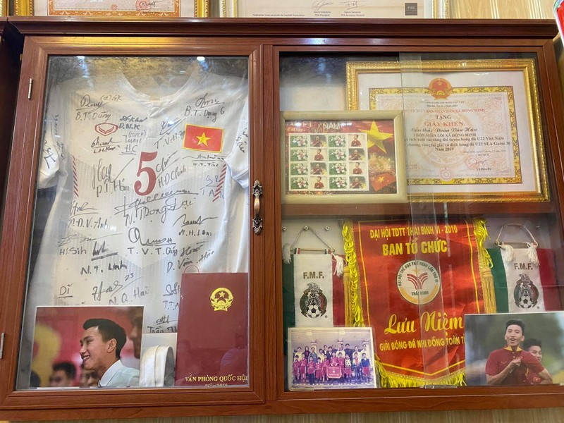Về Thái Bình thăm nhà Đoàn Văn Hậu lương 500 triệu/tháng - Ảnh 4.