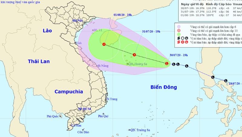 Áp thấp không ngừng mạnh hơn, tàu thuyền giữa và Nam Biển Đông đề phòng lốc xoáy
