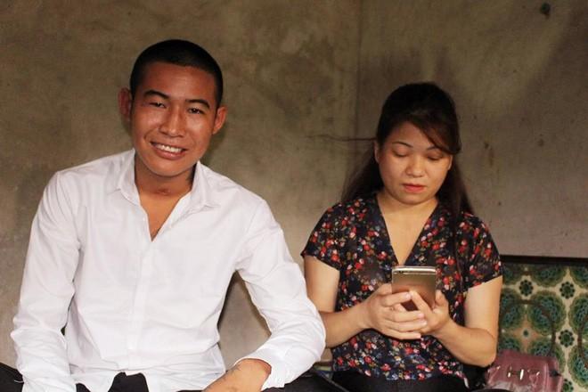 Cuộc sống chật vật của cặp vợ 41 chồng 20 tuổi sau một năm kết hôn: Có những lần cả gia đình chỉ còn một nắm gạo - Ảnh 1.