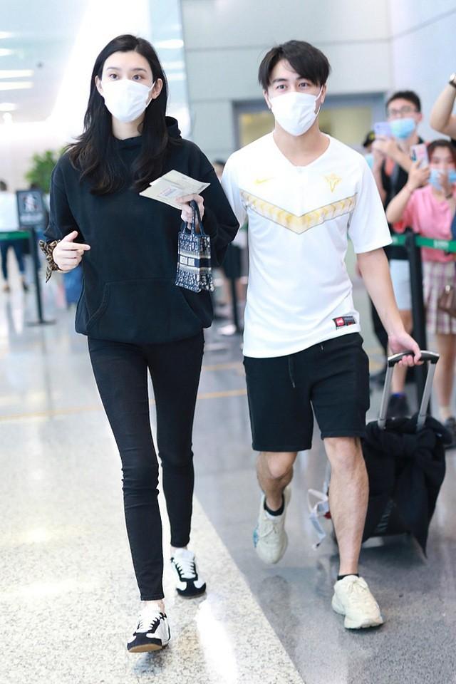 Vợ chồng siêu mẫu áo tắm Hề Mộng Dao chiến tranh lạnh - 6